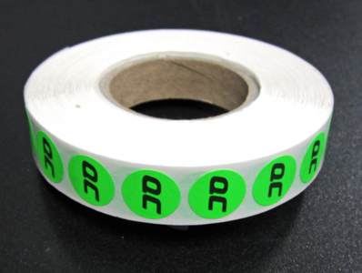 25.000 etiketten op rol 15 mm rond 1/0